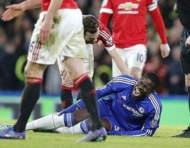 Zouma nghỉ thi đấu 6 tháng, Chelsea âu lo