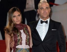 Vợ Robbie Williams bị kiện vì lạm dụng tình dục