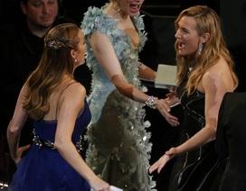 Kate Winslet bị nghi có bầu đứa con thứ tư