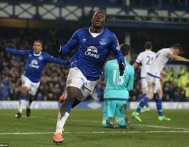 Lukaku lập cú đúp, Everton loại Chelsea