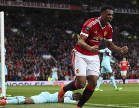 Martial cứu MU thoát thua trước West Ham