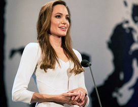 Angelina Jolie được mời diễn thuyết tại trường đại học