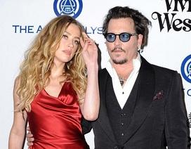 Johnny Depp từng bị thương khi cãi cọ với vợ trẻ Amber Heard