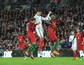 Smalling giúp Anh đánh bại 10 người của Bồ Đào Nha