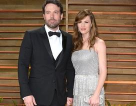 Jennifer Garner trì hoãn ly dị vì Ben Afleck muốn hàn gắn