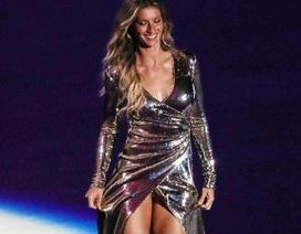 Siêu mẫu Gisele Bundchen khoe chân nuột nà trong đêm khai mạc Thế vận hội mùa hè 2016