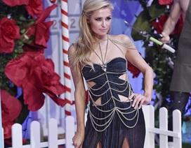 Paris Hilton duyên dáng trên sàn diễn thời trang