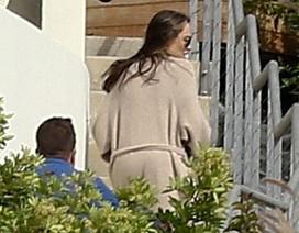 Angelina Jolie và các con lộ diện lần đầu kể từ khi đệ đơn ly dị Brad Pitt