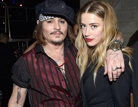 Amber Heard và Johnny Depp vẫn chưa ký đơn ly dị