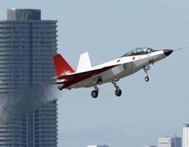 Máy bay chiến đầu tàng hình của Nhật Bản cất cánh thành công