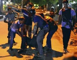 Tấn công khủng bố tại thủ đô của Bangladesh, 20 con tin bị bắt giữ
