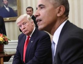 5 bức ảnh kỳ quặc trong cuộc gặp đầu tiên Trump - Obama