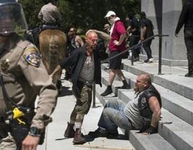 Ẩu đả trong biểu tình tại Mỹ, 10 người bị thương nặng