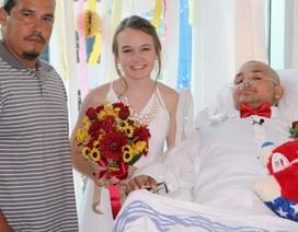 Lễ cưới cảm động của chàng trai 18 tuổi ung thư rơi vào hôn mê