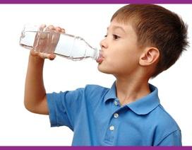 Làm sao để giúp bé ngon miệng trong ngày nóng