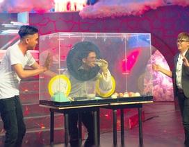 """Mạc Văn Khoa - Aly Nhu """"yêu thương"""" nhau trên sóng truyền hình"""