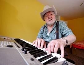Tự nhiên biết đánh đàn piano sau khi bị đột quỵ