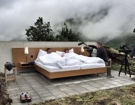Độc đáo căn phòng khách sạn không trần không tường giữa trời xanh