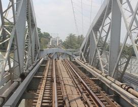 Hơn 5.200 khách đi tàu bị ảnh hưởng do sập cầu Gềnh