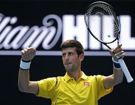 Djokovic thắng nhẹ trong ngày ra quân