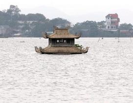 Xót xa cảnh nghĩa trang Hà Nội chìm trong biển nước