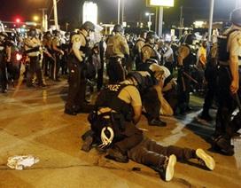 Vì sao cảnh sát Mỹ nổ súng nhiều nhất thế giới và ít bị truy tố?