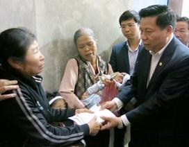 Bí thư tỉnh ủy Bắc Ninh Nguyễn Nhân Chiến thăm hỏi gia đình có hai vợ chồng tử nạn