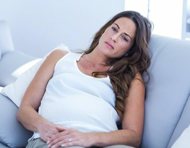 Phải lòng gái bán hoa, chồng bỏ vợ ngay giữa thai kỳ