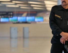 """Xôn xao vụ bé gái 11 tuổi """"lọt lưới"""" an ninh sân bay Nga"""