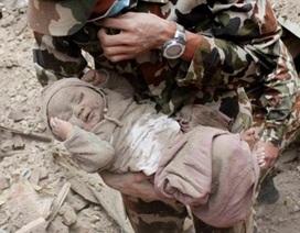Bé trai sống sót kỳ diệu trong vụ động đất Nepal giờ ra sao?