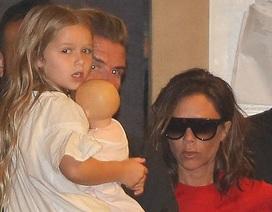 Vợ chồng Beckham nổi bật khi đi ăn tối tại Malibu