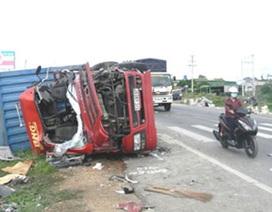 2 xe đấu đầu trên Quốc lộ 1A làm 5 người thương vong