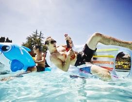Bệnh hoa liễu có lây qua bể bơi không?
