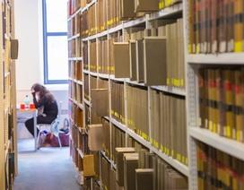 Thư viện bỏ tù khách nếu trả sách trễ