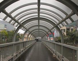 Đề xuất xây cầu bộ hành ở TPHCM có thang máy, điều hòa
