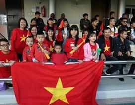 """Cổ động viên Việt Nam lên kế hoạch """"nhuộm đỏ"""" sân Al Gharafa"""