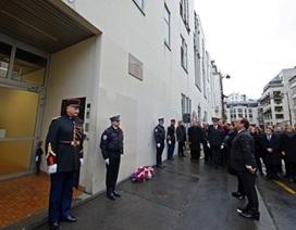 Khai trương biển tưởng niệm nạn nhân vụ khủng bố Charlie Hebdo