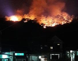 Cháy lớn trên đồi kho mìn của công ty than Hà Lầm