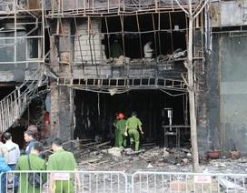 Triệu tập nhóm thợ hàn trong vụ cháy quán karaoke làm chết 13 người
