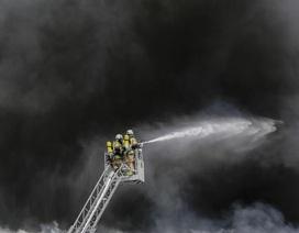 Cháy lớn tại chợ Đồng Xuân ở Berlin