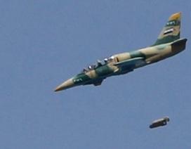Chiến đấu cơ Syria dội bom khủng bố ở Darayya