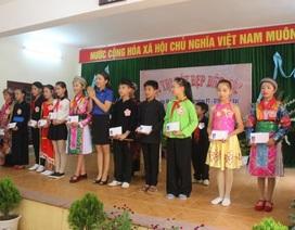Cảm phục sáng kiến cô giáo vùng cao giúp học sinh dân tộc hiểu rõ chính tả tiếng Việt
