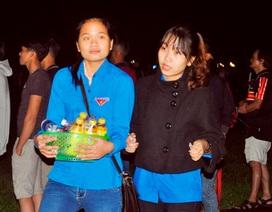 Bạn trẻ Đà Nẵng bán nước gây quỹ từ thiện trước thềm năm mới