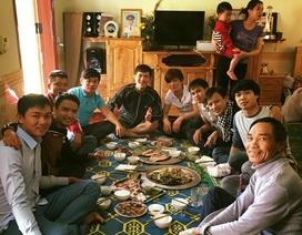 Công Phượng đãi cơm bạn bè trước ngày đi Nhật Bản