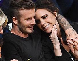David Beckham tận tình ủng hộ vợ yêu