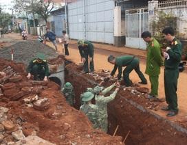 Phát hiện hầm chứa 77 quả đạn pháo trong khu dân cư