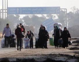 Phiến quân dùng khí độc, dân muốn rời Aleppo phải đút lót