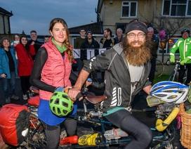 """Vụ """"thách cưới"""" khó tin - 10000 dặm đạp xe qua 19 nước mới lấy được vợ"""