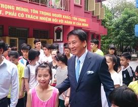 """Người đàn ông Nhật nhận 100 trẻ em Việt Nam làm """"con nuôi"""""""