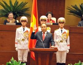 Tân Thủ tướng cam kết chống tham nhũng, quyết tâm bảo vệ chủ quyền